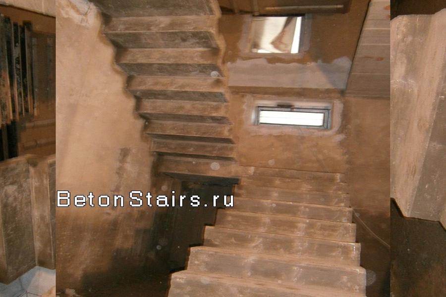 p-obraznaya-lestnitsa-s-1-ploshhadkoj-v-razvilke_001