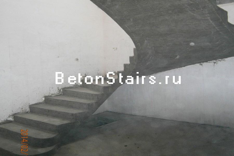 p-obraznaya-lestnitsa-s-zabezhnymi-stupenkami-v-aprelevke_003