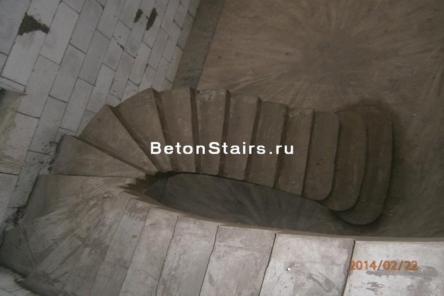 p-obraznaya-lestnitsa-s-zabezhnymi-stupenkami-v-solntsevo_004