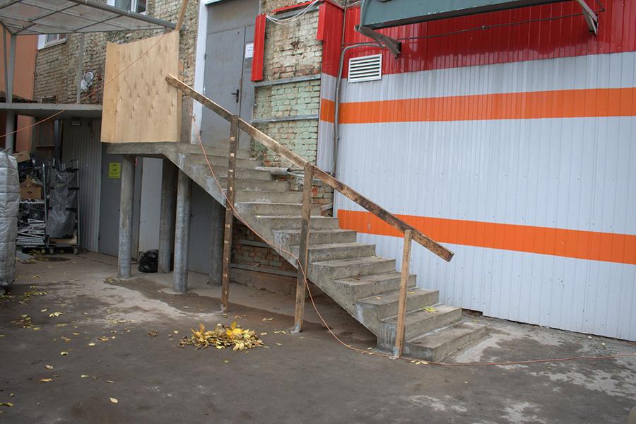 ulichnaya-marshevaya-lestnitsa-s-ploshhadkoj-v-pushkino_001