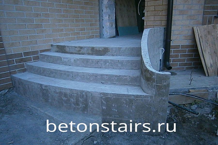 ulichnaya-monolitnaya-lestnitsa-v-krasnogorske_001