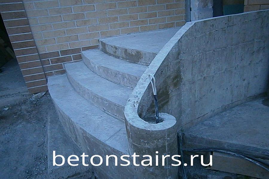 ulichnaya-monolitnaya-lestnitsa-v-krasnogorske_002
