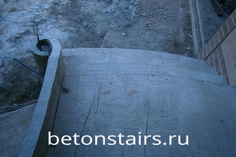 ulichnaya-monolitnaya-lestnitsa-v-krasnogorske_003